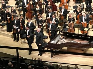 Lang Lang and Manfred Honeck after the Mozart Concerto No 24 at the Elbphilharmonie