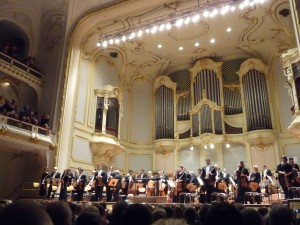 Applause at the Laeiszhalle in Hamburg
