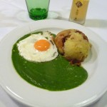 Creamed spinach and fried egg in Vienna