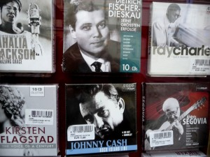 Great singers at Gramola: Dietrich Fischer-Dieskau and Johnny Cash