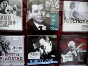 Great singers at Gramola: Dietrich Fischer-Dieskau and Johnny Cash