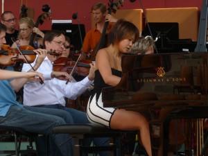 Yuja Wang rehearses Tchaikovsky